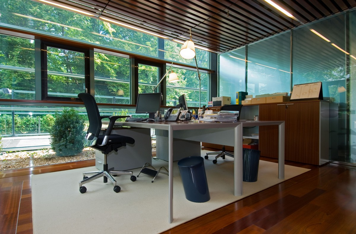 Porro Spa Contract Office Richemont Holding Geneve